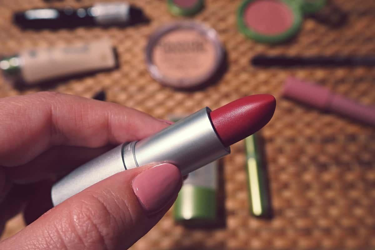 Jak poznat kvalitní přírodní kosmetiku a nenechat se napálit