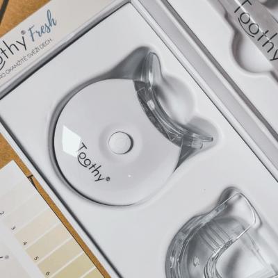 Tip: Jak na šetrné bělení zubů doma s českým produktem Toothy